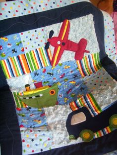 Plane Boat and Truck Baby Boy Quilt Quilting Tutorials, Craft Tutorials, Airplane Quilt, Sewing Crafts, Sewing Projects, Baby Boy Quilts, Baby Fabric, Twin Quilt, Traditional Quilts