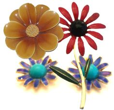 Flower Pins! Big & bright they add sweet to any outfit. Love these!