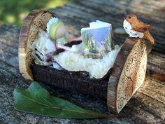 Meubles de fée miniature  lit par CaseysCreativeCorner sur Etsy