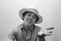 Barack Obama: perché lui ci sa fare. Anche nel canto. • Link: http://themusicportrait.com/2012/11/07/barack-obama-perche-lui-ci-sa-fare-anche-nel-canto/