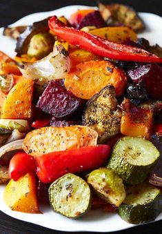 Scrumptious Roasted Vegetables – The best oven roasted vegetables ever! Made qui… Scrumptious Roasted Vegetables – The best oven roasted vegetables ever! Made quickly and effortlessly. Every vegetable is cooked to perfection. Cooked Vegetable Recipes, Vegetable Korma Recipe, Spiral Vegetable Recipes, Vegetable Casserole, Vegetable Side Dishes, Vegetarian Recipes, Healthy Recipes, Vegetable Samosa, Vegetarian Barbecue