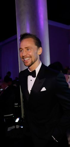 Tom Hiddleston at the 74th Annual Golden Globe Awards   Inside - 8th January 2017. Source: tomhiddleston.us http://tomhiddleston.us/gallery/displayimage.php?album=875&pid=41481#top_display_media Full size image: http://tomhiddleston.us/gallery/albums/2017/Events/Jan8thInside/002.jpg