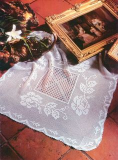 Square tablecloth with roses