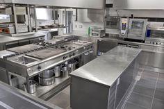 Restaurant Kitchen Equipment, Restaurant Kitchen Design, Bakery Kitchen, Hotel Kitchen, Rustic Restaurant, Modern Kitchen Cabinets, Kitchen Layout, Kitchen Interior, Commercial Kitchen Design