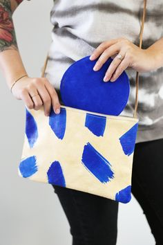 CLUTCHES | Brushstroke purse