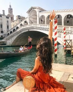 Saw the typical Venice? Let's dive into secret locations in Venice! Venice Travel, Italy Travel, Vacation Destinations, Dream Vacations, Travel Pictures, Travel Photos, Las Vegas Vacation, Travel Aesthetic, Aesthetic Outfit