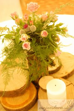 small pink roses on wood Wedding Decorations, Table Decorations, Wedding 2015, Pink Roses, Wedding Table, Wood, Flowers, Home Decor, Madeira