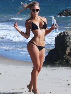 ava-lange-bikini-photos-03-420x560.jpg (420×560)
