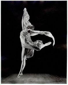 isadora duncan dancing in Vionnet;