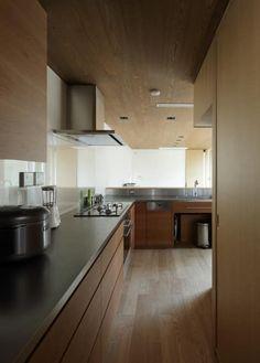 大泉学園町の住宅: カトウアーキテクトオフィスが手掛けたキッチンです。