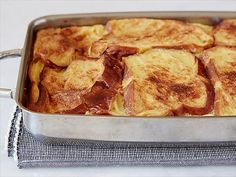 Cinnamon Baked French Toast~(make-head) Ree Drummond~Food Network~~ http://www.foodnetwork.com/recipes/ree-drummond/cinnamon-baked-french-toast-recipe.html