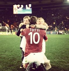 #FrancescoTotti  il capitano, il purpone,