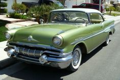 1957 Pontiac Star Chief-I actually think this car is kinda cute:)