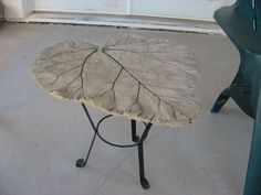 Hypertufa table. Hypertufa fascinates the sculptor in me.
