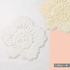 関税・送料込,梨花さん愛用BRAND! anthropologie Rose Bathmat バラの形をデザインされたバスマットは、バスルームを華やかに、そしてオシャレに演出してくれるアイテム。