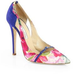 These pretty floral pumps are sure to bring a smile to any fashion savvy mom.