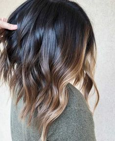 Balayage lob short ombre, ombre hair, hair color, long hair styles, box b. Bronde Balayage, Brunette Ombre Balayage, Caramel Balayage, Balayage Highlights Brunette, Lob Ombre, Ombre Hair Bob, Fall Balayage, Auburn Balayage, Box Braids Hairstyles