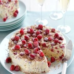 Raspberry, Meringue & Chocolate Ice-Cream Cake #CreativeGourmet