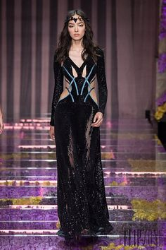 Impressive collection of Versace Fall-winter 2015-2016 dazzling short and long dresses  (23)