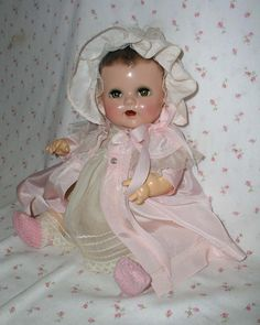 1930's Ideal Toy Co. BETSY WETSY in Original CASE w/layette