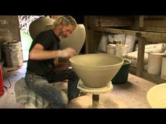 20 minutes with Svend Bayer. Ceramic Techniques, Pottery Techniques, Ceramic Studio, Ceramic Clay, Pottery Designs, Pottery Art, Clay Videos, Pottery Videos, Pottery Handbuilding
