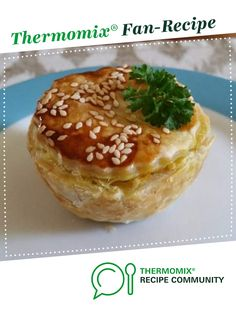 Recipe Chicken & Vegetable Pie Filling - Thermomumma by _b_e_v_, learn to make this recipe easily in your kitchen machine and discover other Thermomix recipes in Main dishes - meat. Bellini Recipe, Vegetable Pie, Mini Pies, Meat Recipes, Dinner Recipes, Lunch Snacks, Chicken And Vegetables, Finger Foods, Thermomix