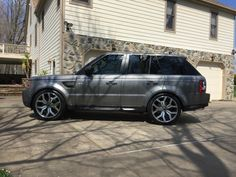 New 2016 22 inch LR autobiography wheels.