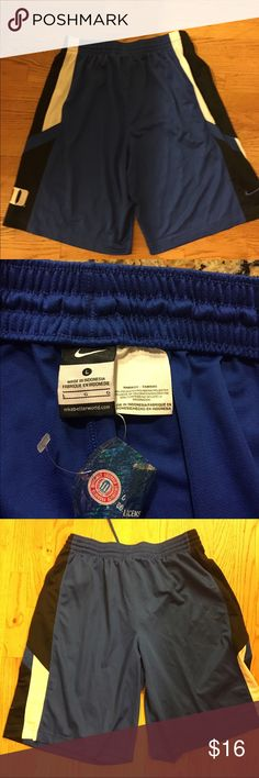 Nike football soccer shorts size Large Nike football soccer shorts size Large Nike Shorts Athletic