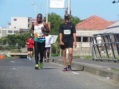 Neville Van Schalkwyk & Zolani Mqoqi -Legends Marathon 2014 photo by selina vickerman-prince. Marathon, Legends, Van, Running, Sports, Fashion, Racing, Hs Sports, Moda