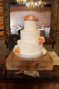 RUSTIC CAKE STAND, Rustic Wedding, Cake Stand, WOOD CAKE STAND Shabby Chic #SereneVillage
