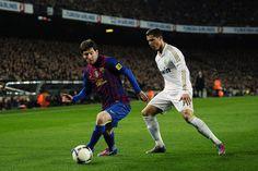 Cristiano Ronaldo vs Lionel Messi, in Real Madrid vs Barcelona 2012 Lionel Messi, Messi Vs Ronaldo, Cristiano Ronaldo, Messi 10, Messi Goals, Ronaldo Quotes, Squat Motivation, Image Film, Soccer Skills