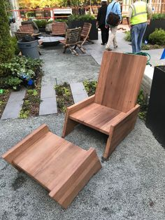 Why Teak Outdoor Garden Furniture? Wood Patio Furniture, Outdoor Furniture Chairs, Outside Furniture, Outdoor Garden Furniture, Furniture Decor, Modern Furniture, Furniture Dolly, Furniture Stores, Furniture Projects