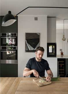 Famous Swedish actor Andreas Wilson and his wife recently moved to the suburbs of Stockholm to the home of her parents, but in design nothing says the ✌Pufikhomes - source of home inspiration Stockholm, Bachelor Pad Bedroom, Appartement Design, Modern Home Interior Design, London Apartment, Kitchen Pendants, Nordic Design, Living Room Lighting, Beautiful Interiors