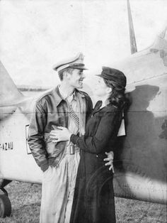 USAAF, pilot and army flight Nurse love during the war. Just want a loose sketch of this.
