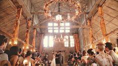 Vous recherchez un rituel original de cérémonie laïque? Voici 8 rituels dont vous pourrez vous inspirer.