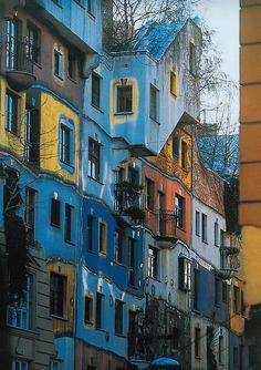 Individuality expressed in mass housing · Hundertwasser Haus, Vienna