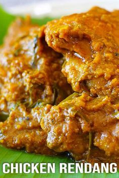 A Malaysian classic dish, Chicken Rendang. Tender chicken in aromatic herbs and creamy coconut milk, all goodness in one pot. A Malaysian classic dish, Chicken Rendang. Tender chicken in aromatic herbs and creamy coconut milk, all goodness in one pot. Malaysian Chicken Curry, Malaysian Curry, Malaysian Cuisine, Malaysian Food, Malaysian Recipes, Curry Fried Chicken, Indian Food Recipes, Asian Recipes, Gastronomia