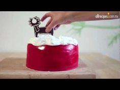 Cómo decorar un pastel de chocolate para Navidad
