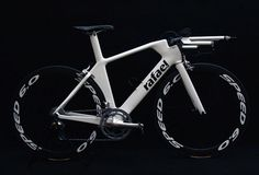 Rafael Custom TT Bike  #triathlon #bike #design #rafael-bikes #white #black
