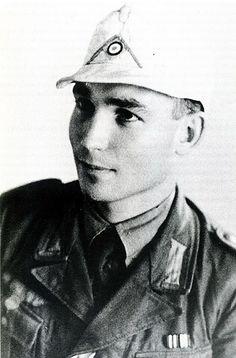 Hellmut von Leipzig als Gefechtsfahrer für Generalfeldmarschall Rommel - pin by Paolo Marzioli