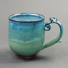 Your place to buy and sell all things handmade Wavy Bobs, Pottery Mugs, Buy And Sell, Sea, Tableware, Green, Handmade, Stuff To Buy, Etsy