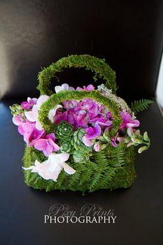 **flower girl basket by Jane Productions Flower Bag, Flower Girl Basket, Flower Show, Deco Floral, Arte Floral, Floral Design, Floral Purses, Floral Bags, Bouquet