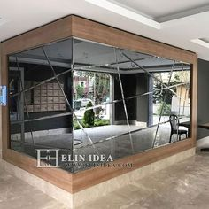 WALL COATING Wall-to-wall mirrors When placed on large areas, the price tag on these mirrors Mirror Decor Living Room, Home Decor Mirrors, Entryway Decor, Modern Mirror Design, Wall Design, Home Room Design, House Design, Living Room Designs, Office Interior Design