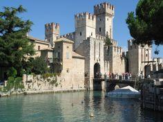 Da vedere: Castello scaligero di #Sirmione, Lago di Garda @GardaConcierge