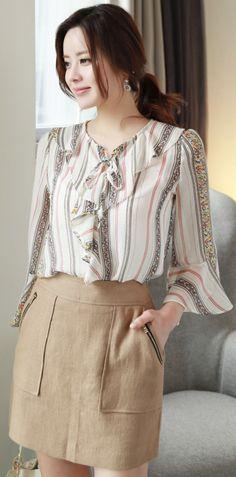 StyleOnme_Zipper Pocket Linen Skort #beige #mini #skirt #dailywear #feminine #koreanfashion #kstyle #kfashion #springtrend