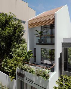 VT house exterior  CGI Design: Duy Huynh 893.studio on Behance House Outer Design, Minimal House Design, Facade Design, Exterior Design, Balcony Railing Design, House Balcony Design, Narrow House Designs, Balkon Design, Facade House