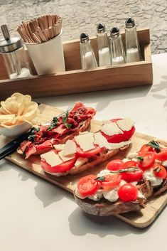 #lisbon #lisboa #lxfactory #food #foodies #snack #citytrip #visitportugal Visit Portugal, Foodies, Cheese, Snacks, Lisbon, Treats, Finger Food, Appetizers