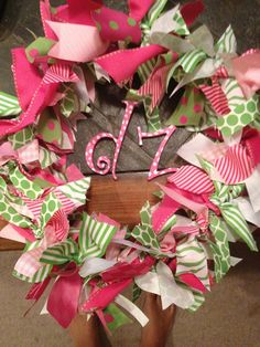 Try making a delta zeta wreath for your space or your big/little. This can be a fun #DIY to decorate any space with. #DZ