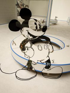 We posted anamorphic portrait installations by Bernard Pras before. The artist fills an entire room with found objects, creating a portrait. Pop Art, Anamorphic, Mickey Mouse Ears, Art Reference, Disney Characters, Fictional Characters, Magazine, Sculpture, Artist