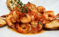 Συνταγή για γαρίδες με ούζο και σκόρδο. Gazpacho, Seafood Recipes, Cooking Recipes, Spring Cocktails, Kitchen Stories, Fish And Seafood, Street Food, Great Recipes, Shrimp